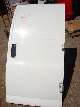 Check besides Chevy Express Rear Door Latch Diagram additionally Chevy Express 3500 Fuse Box likewise 2003 Chevy Express Van Parts furthermore Replace. on 2003 chevy express van fuse box diagram