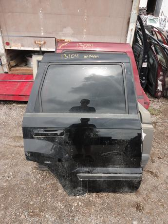 05-10 JEEP CHEROKEE DOOR FROM MICHIGAN. GREAT CONDITION, SCUFFS AND SCRATCHES, RUST FREE. #13104
