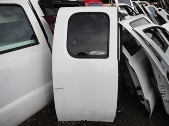 2007 2008 2009 2010 2011 2012 2013 CHEVY EXTENDED CAB RIGHT REAR DOOR. GOOD CONDITION- A DEEP SCFUSS ON THE LEFT SIDE. #13728