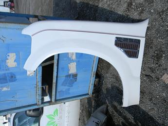 2008 2009 2010 FORD SUPER DUTY DRIVERS FRONT FENDER. GREAT CONDITION- HAS ONE SMALL DING. RUST FREE FROM TEXAS. #14054