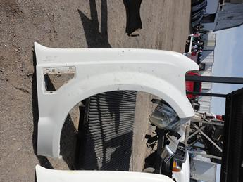 2008 2009 2010 FORD SUPER DUTY 6.4L PASSENGER SIDE FRONT FENDER. GOOD CONDITION. #13824