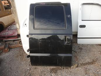 08-15 FORD SUPER DUTY CREW CAB DRIVERS REAR DOOR. GOOD CONDITION, NO INSIDE PANEL. #13325