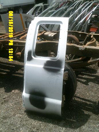 2008 2009 2010 2011 2012 Ford Superduty drivers side extended cab door shell.  Great condition, no dents or dings.  Inventory #12404.