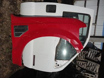 2008 2009 2010 FORD SUPER DUTY 6.4L PASSENGER FRONT FENDER. OKAY CONDITION- SMASHED ON FRONT LOWER. #13822