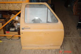 1980 1981 1982 1983 1984 1985 1986 Ford Right Side OEM  power door.  Door has been bumped & currently is in primer, nice condition.