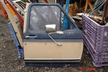 1980 1981 1982 1983 1984 1985 1986 Ford right side OEM door.  No vent window & heavy lip damage.  Blue & tan exterior, blue interior.