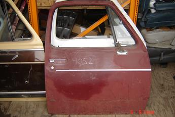 1981 1982 1983 1984 1985 1986 1987 1988 1989 1991 1992 1993 Dodge Right Side OEM Rust Free Manual Complete Door.  Clean, faded paint, few small dings.  Red exterior, tan interior.