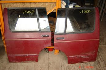 1983 1984 1985 1986 1987 1988 1989 1990 1991 1992 1993 1994 Chevrolet GMC Blazer rear doors.  Pair of Chevrolet OEM Rear Doors.  Great condition.  Power doors with glass.  Fits 83 - 94 S Blazers & Jimmy's.