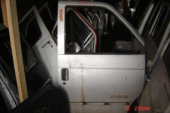 1985 1986 1987 1988 1989 1990 1991 1992 1993 1994 Chevrolet GMC Astro Van right front door.  Good condtion, no dents, some scratches in the paint. $125.