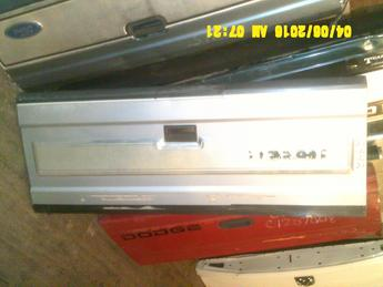 1987 1988 1989 1990 1991 1992 1993 DODGE DAKOTA TAILGATE. GREAT CONDITION, DING ON TOP RAIL, LIGHT SCRATCHES AND SCUFFS THROUGHOUT. INVENTORY #12842