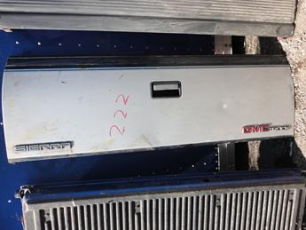 1988 1989 1990 1991 1992 1993 1994 1995 1996 1997 1998 CHEVY TAILGATE FROM MICHIGAN. FAIR CONDITION, IS RUSTY ON THE SEAM. INVENTORY #13049