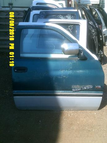 1994 1995 1996 1997 1998 1999 2000 2001 DODGE RAM DOOR. GREAT CONDITION, PEALED PAINT, LIGHT SCRATCHES THROUGHOUT. INVENTORY #13011