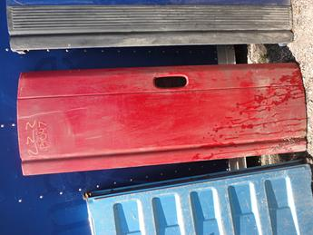 1994 1995 1996 1997 1998 1999 2000 2001 DODGE TAILGATE FROM MICHIGAN. GREAT CONDITION, SCUFFS AND SCRATCHES, SLIGHTLY STARTING TO RUST. INVENTORY #13047
