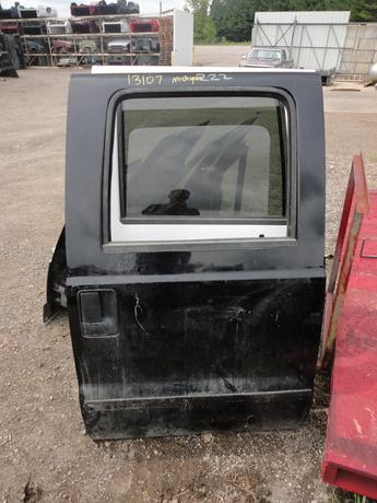 1999 2000 2001 2002 2003 2004 2005 2006 2007 FORD SUPER DUTY CREW CAB RIGHT REAR DOOR