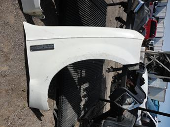 1999 2000 2001 2002 2003 2004 2005 2006 2007 FORD SUPER DUTY PASSENGER SIDE FRONT FENDER. GREAT CONDITION- SCRATCHES AND PAINT CHIPS. #13826