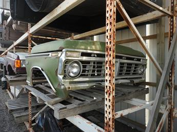 1973 1974 1975 1976 1977 1978 1979 FORD FRONT CLIP. GOOD CONDITION- THE GRILLE IS DENTED IN A FEW SPOTS, PAINT CHIPS AND SURFACE RUST.