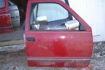 1988 1989 1990 1991 1992 1993 1994 GMC Chevrolet Right Side OEM Manual Door.  Red exterior, beige interior.