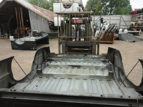2002 2003 2004 2005 2006 2007 2008 2009 DODGE SHORTBOX. GOOD CONDITION, A FEW DENTS ON THE LEFT SIDE, AND THE LEFT BACK CORNER IS DENTED IN. INVENTORY #12868