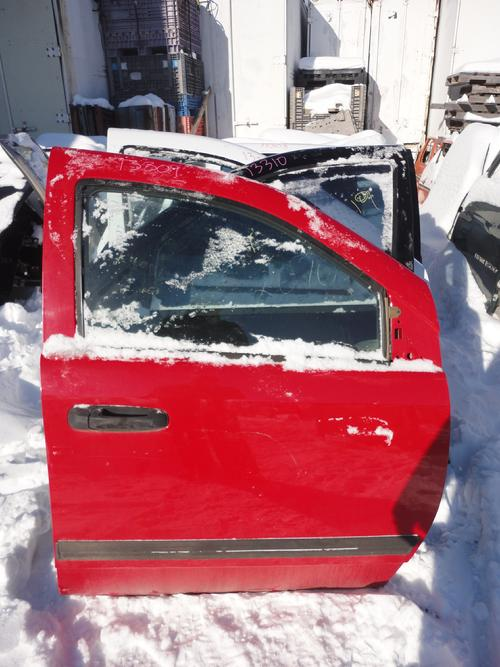 2005 2006 2007 DODGE DAKOTA DOOR. GREAT CONDITION- POWER COMPLETE DOOR. LIGHT SCUFFS AND SCRATCHES ON PAINT. #13309